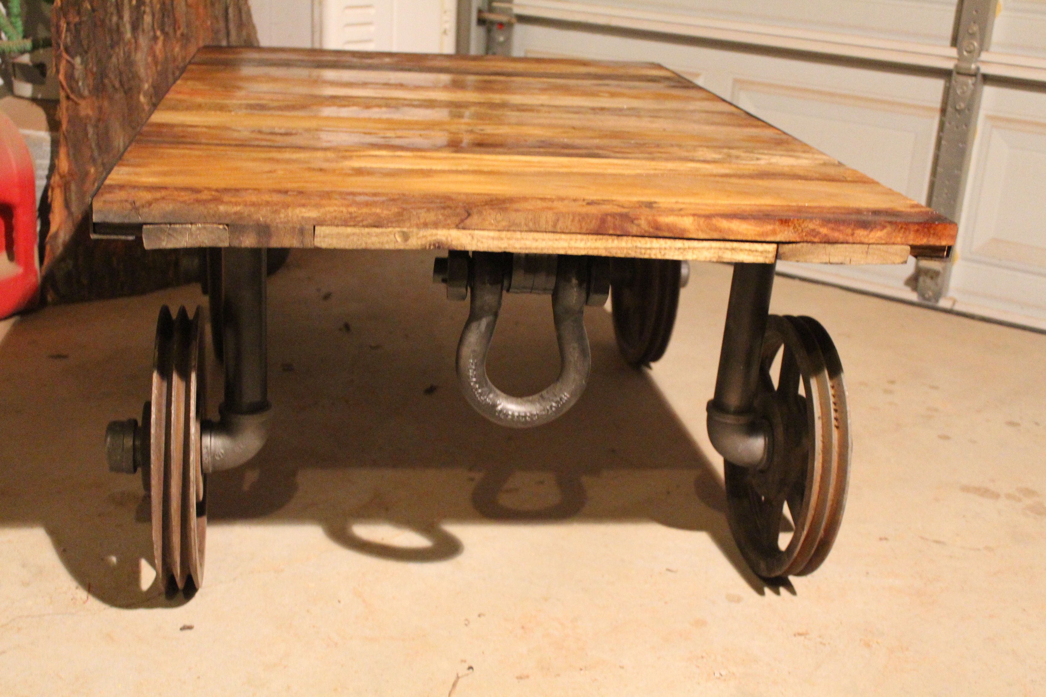 Industrial Coffee Table Wheels Industrial Coffee Tables O 100